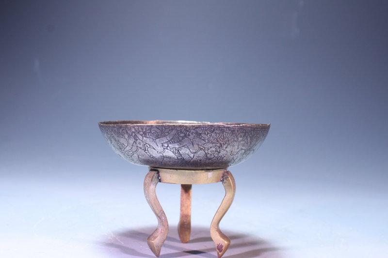 Antique Persian engraved Copper Bowl, 17th C.