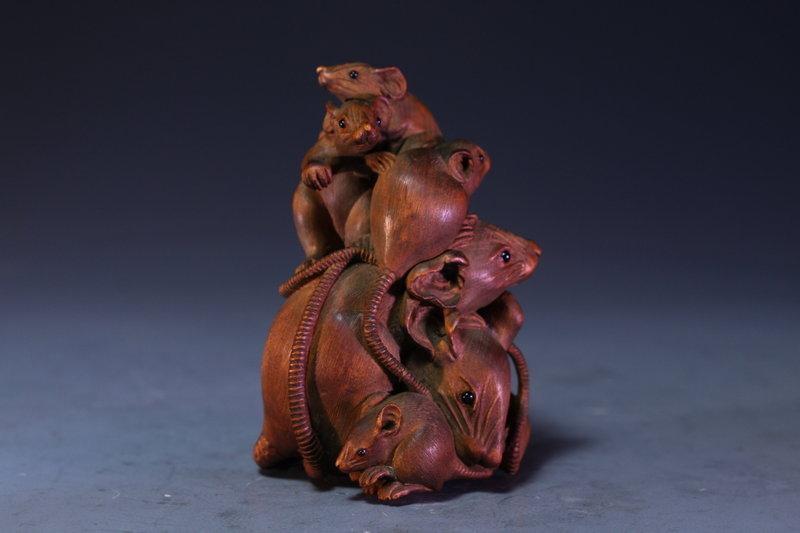 Superb Japanese Carved Wood Netsuke,