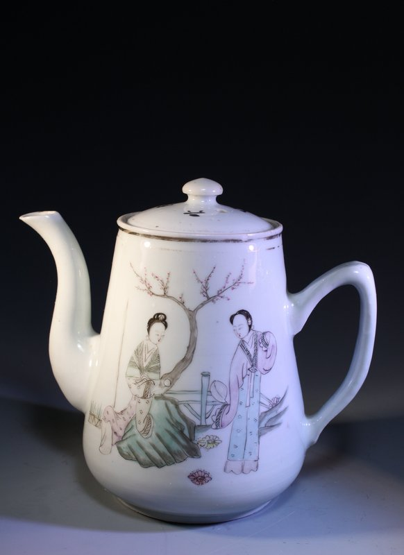 Early 20th C. Chinese Enameled Porcelain Teapot,