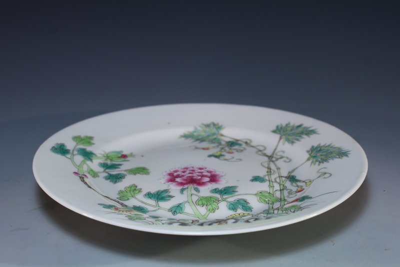 Chinese Antique Famille Rose Porcelain Plate,
