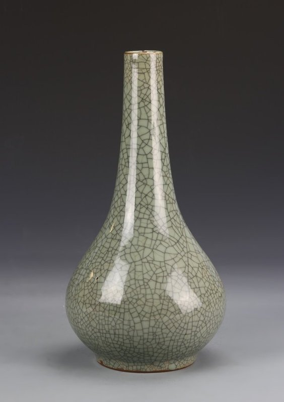 19th C. Chinese Crackle Glazed Porcelain Vase.