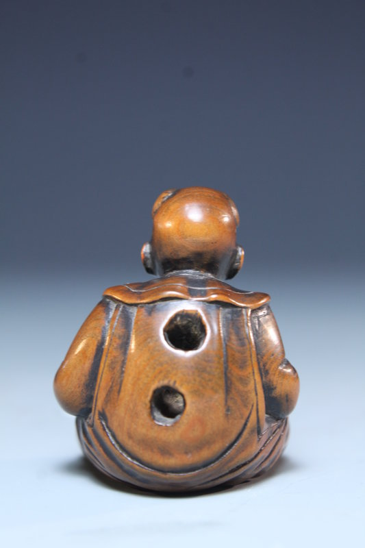 Japanese Carved Wood Netsuke; Karako.