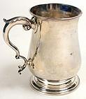 Georgian silver pint mug of baluster form, 1780
