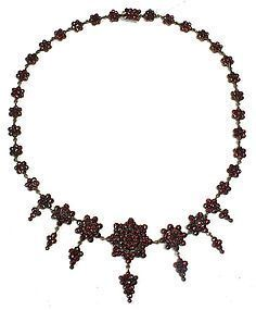 Antique Bohemian garnet necklace with graduated pendants
