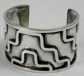 Lico Mexican sterling silver geometric designed cuff bracelet