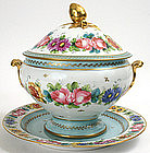 Continental porcelain soup tureen & underplate