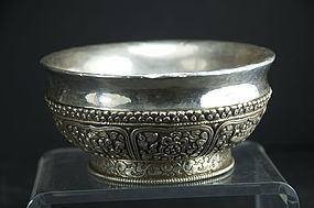 A Fine Tsampa Bowl, Tibet, 19th C.