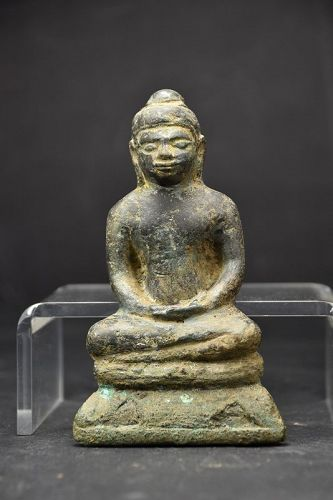 Statue of Buddha, Dvaravati Period, Ca. 9th C.