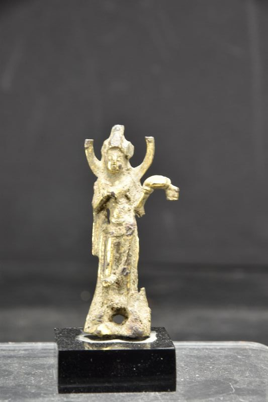 Miniature Gilt Bronze Statue of Avalokiteshvara, China, Sui Dynasty