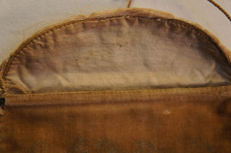 Antique velvet reticule theorem purse 1830-40