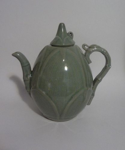 Antique Chinese Green Glazed Porcelain Teapot