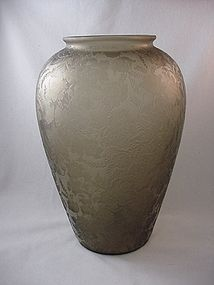 Consolidated Florentine Urn Vase - Coffee Brown