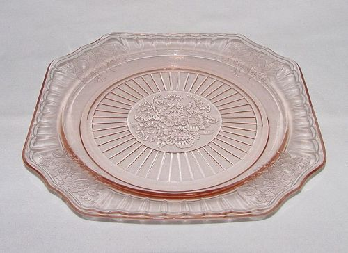 Mayfair Open Rose 8 1/2 inch plate - Pink