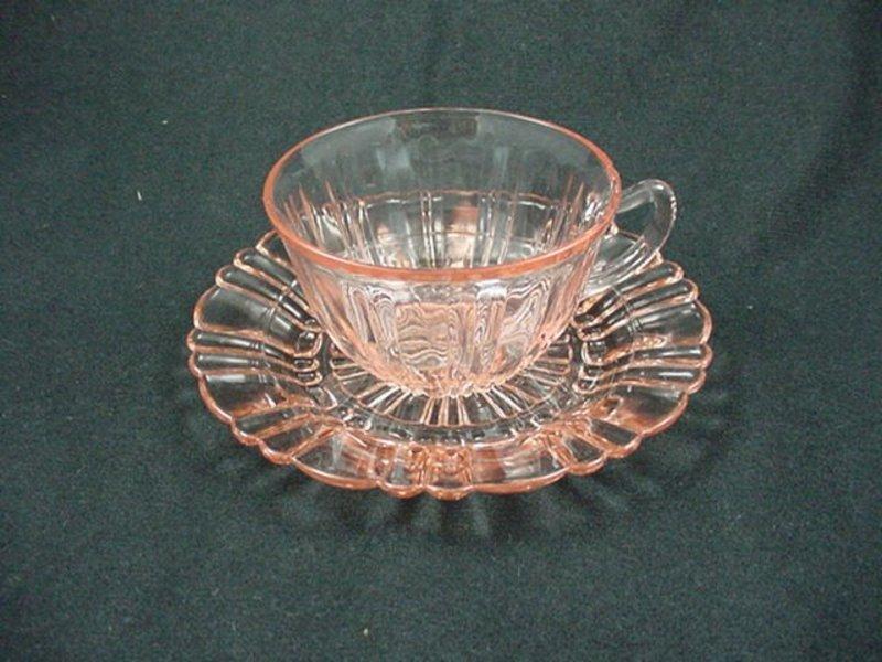 Old Cafe Cup & Saucer Set - Pink