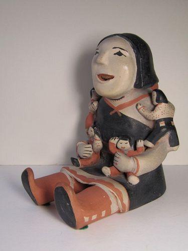 Ada Suina StoryTeller Cochiti Pottery Figurine 4 children