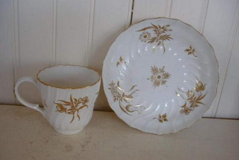 English Worcester Tea Cup and Saucer, c. 1792