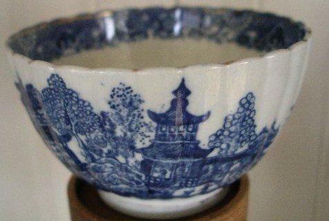 Caughley Blue & White Porcelain Fluted Tea Bowl,c.1780