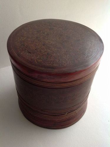 BURMESE LACQUER BETEL NUT BOX