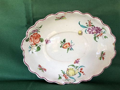 Oval faience fluted dish with flowers circa 1740, Strasburg?