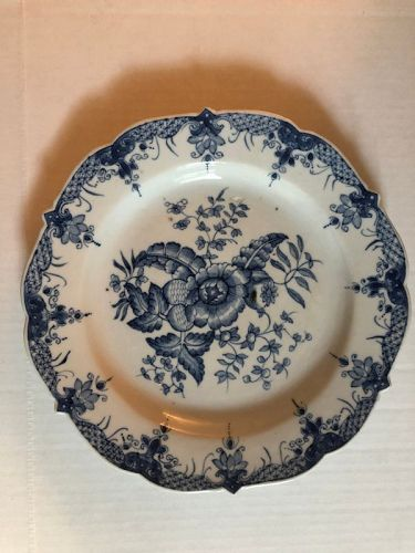 Chinese export porcelain plate in �pine cone� pattern circa 1790
