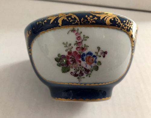 Powder blue ground floral decorated Chinese Export cup c. 1800