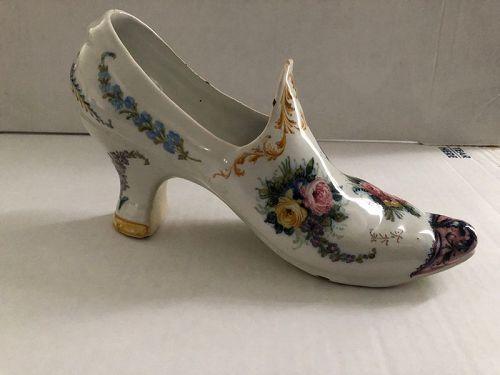 Large faience shoe Le Nove Italy late 19th century