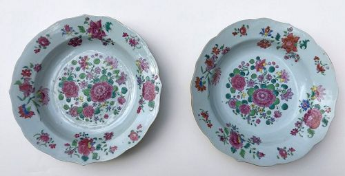 Chinese export pair of soup plates circa 1790
