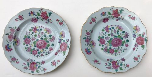 Pair of Chinese Export oversize plates circa 1790
