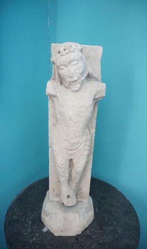 Christ en calcaire