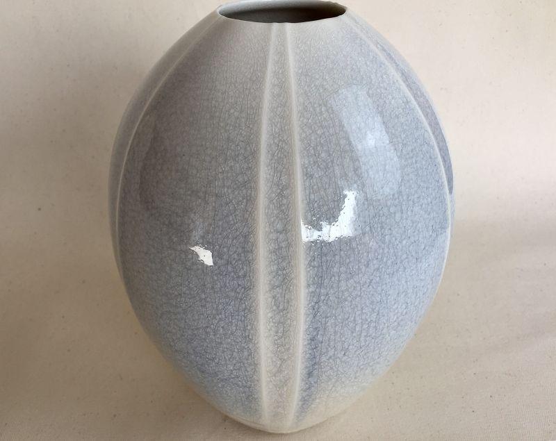 Porcelain flower vase by Shoh Araya