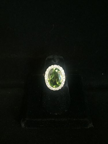 18k Yellow Gold and Platinum Peridot Ring with Diamonds