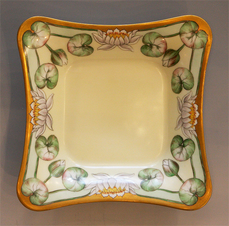 Porcelain Dish With Waterlilies