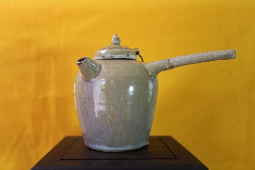 Chinese Tang Dynasty Changsha Kiln Celadon Pot