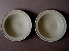A pair of  top colour Song Longquan dishes