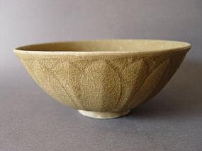 A Song Dynasty Longquan Celadon Lotus bowl