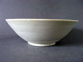 A well potted southern Song white glazed bowl