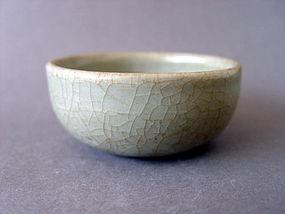 A nice small Yuan Dyn. Longquan Celadon bowl