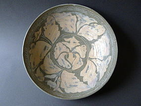 A large impressive Korean  15th century Punch´ong bowl