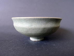 An absolutely lovely bluegreen Song Dyn. Longquan bowl