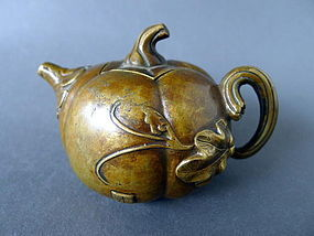 "A  nice Qing Dyn. marked  "" Pumpkin "" bronze teapot"