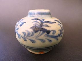 A very nice Ming Dynasty, Hongzhi blue and white jarlet