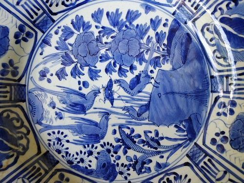 Excellent and large Japanese Arita Kraak-Style blue and white Charger