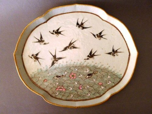 A nice Tongzhi Period Tray with Magpies, Fish and Lotus