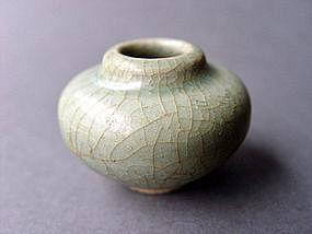 Longquan Guan crackled Celadon Jar