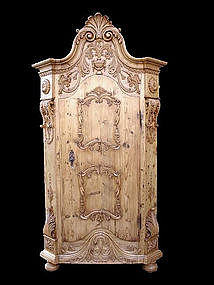 Museum qual. Austrian rural style armoire !