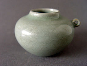 A excellent Longquan ware Celadon Bird - feeder