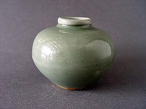 A excellent Longquan Celadon Jar