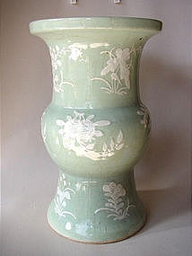 Big Qing Dyn. Celadon vase slip - painted !