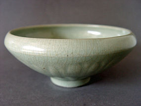 A rare Song - Yuan  Dynasty Longquan Celadon Bowl.