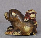 Early 19c staghorn netsuke DOG with puppy & abalone